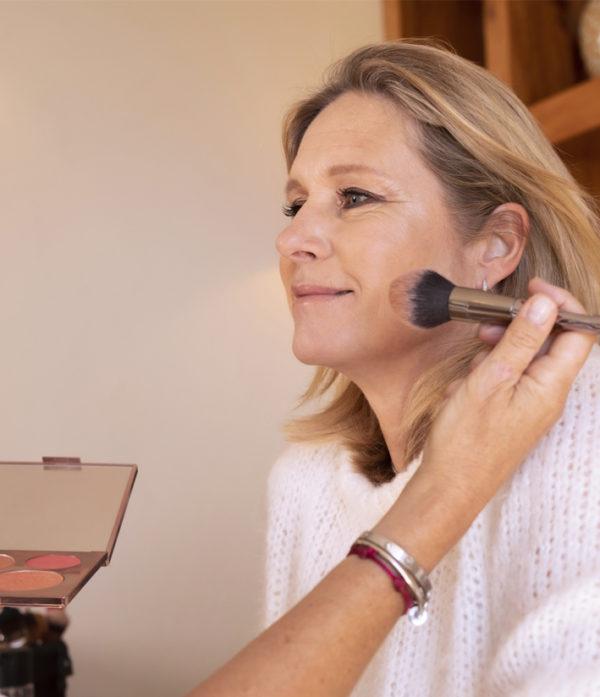 Prestation-femmes-maquillage